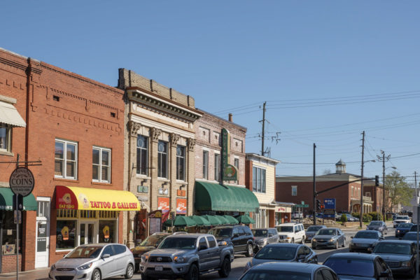 a busy atlanta street in marietta