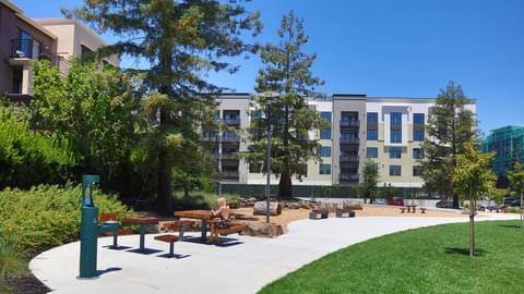 Upscale Cupertino offers sunny weather and easy access to influential tech hubs, including the Apple campus. This picturesque suburb is home to exceptional Chinese food, plenty of streams and parks, and a vibrant local economy.