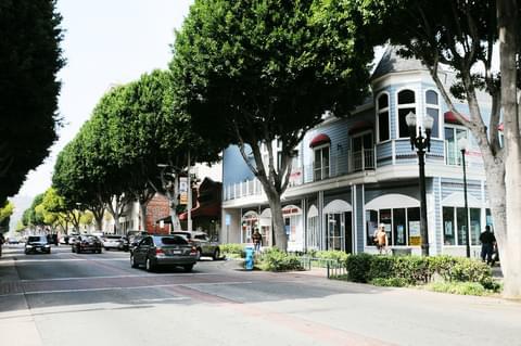 Greenleaf Avenue,
