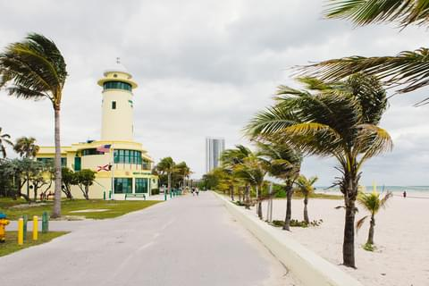 Just north of Bal Harbour, <a href='http://www.miamidade.gov/parks/haulover.asp' target='_blank' rel='nofollow noopener noreferrer'>Haulover Park</a> is a 99-acre green space with a large public beach.