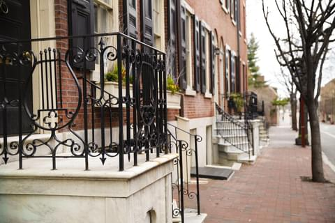 Historic Society Hill is one of the oldest and most desirable residential neighborhoods in Philadelphia, thanks in large part to its cobbled streets, Federalist row houses, and proximity to Center City.