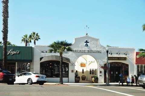Surrounded by fine shops, galleries and financial institutions, the Arcade Building serves as a marker for La Jolla's main street of commerce.